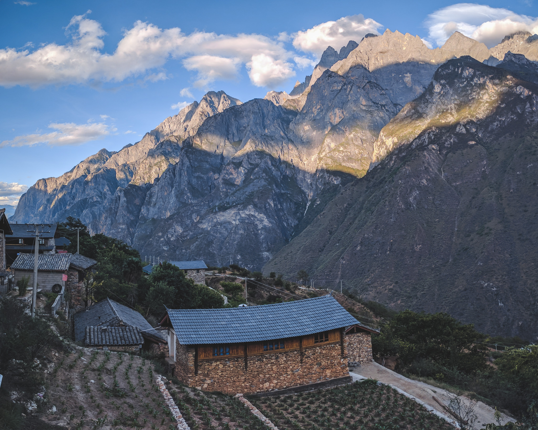 Backpacking Tiger Leaping Gorge in China