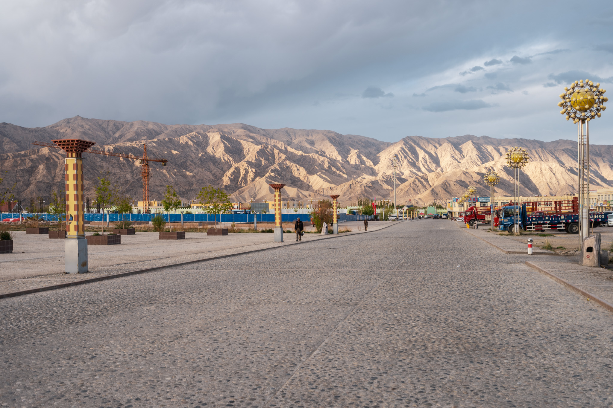 Strangely empty streets in Tashkurgan, China